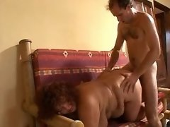 Salesman fuck plump curly housewife
