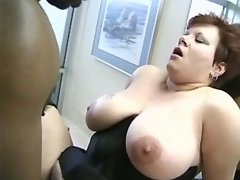 Honey plumper slurps cum after fucks