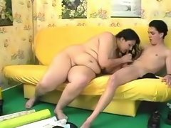 Jelly fatty blows boyfriend on sofa