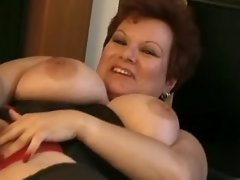 Portly housewife screwed by blackie