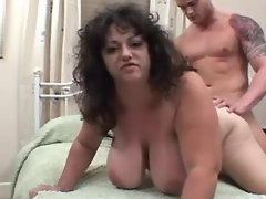 Guy drills chubby mature in bedroom
